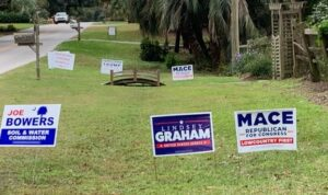 lawn signs for Republican candidates